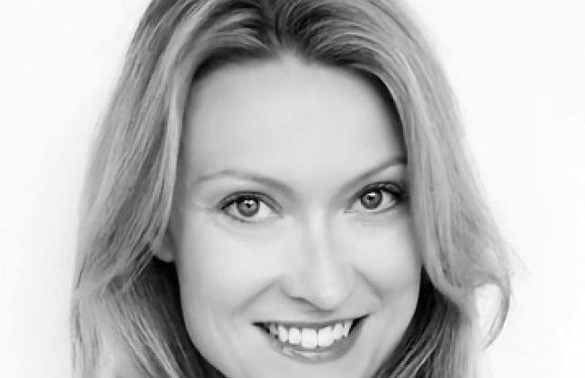 Photo of Claire Paull