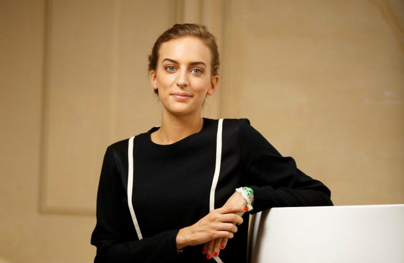 Global Communication Graduate Hélène Barrot