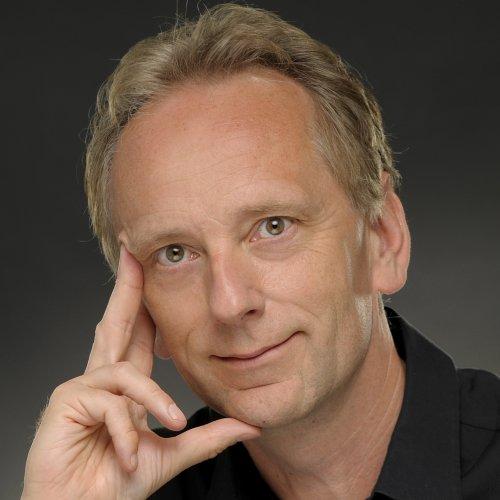 Photo of Simon Uwins
