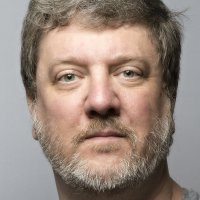 Headshot of Douglas Thomas